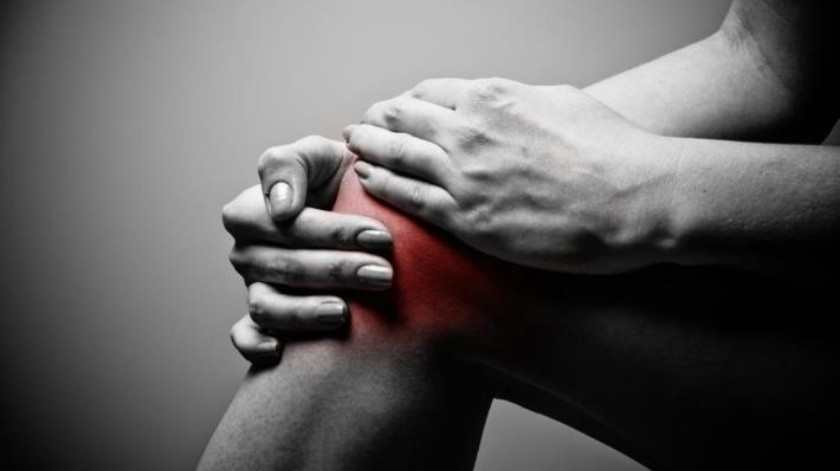 Hinchazón y dolor en rodilla, pueden ser síntomas de bursitis