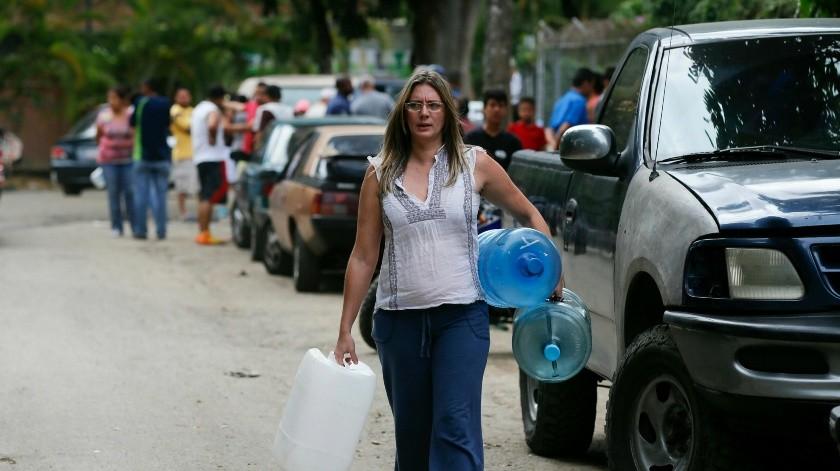 Venezolanos acuden a Brasil por alimentos y refugio.(AP)