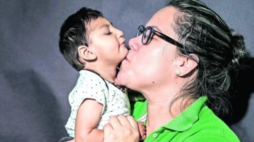 Lluvia es madre del pequeño Arturo. Cuando estaba embarazada presentó síntomas de zika, sin embargo, su ginecólogo solo la mandó a reposar.(EL UNIVERSAL)