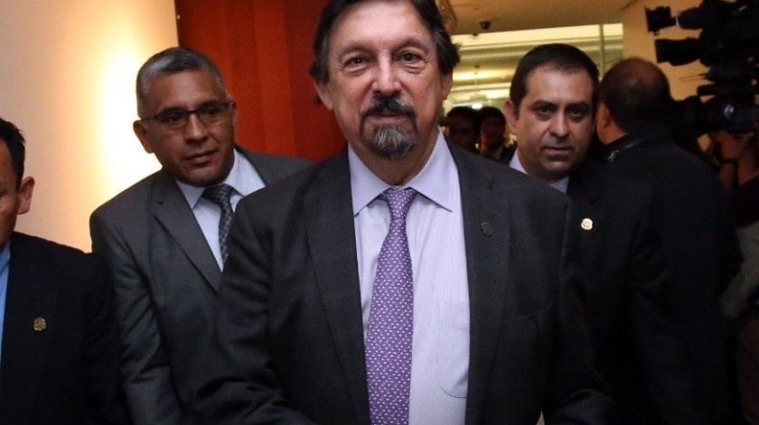 El obispo de Saltillo pidió que se inicie juicio político contra Napoléón Gómez Urrutia y proceso penal contra Grupo México.