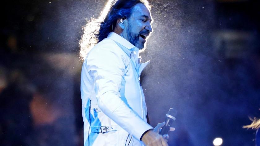 Cachanillas gozan del concierto de Marco Antonio Solís(José María Cárdenas)