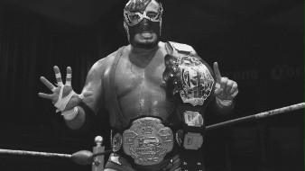 César Cuauhtémoc González Barrón o mejor conocido como Silver King nació el 9 de enero de 1968 en Torreón, Coahuila.
