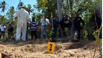 Recuperan 15 cuerpos en fosas clandestinas de Nayarit