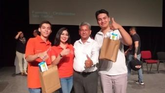 Estudiantes del Cobach fueron reconocidos en el II Encuentro de Jóvenes con la Historia,