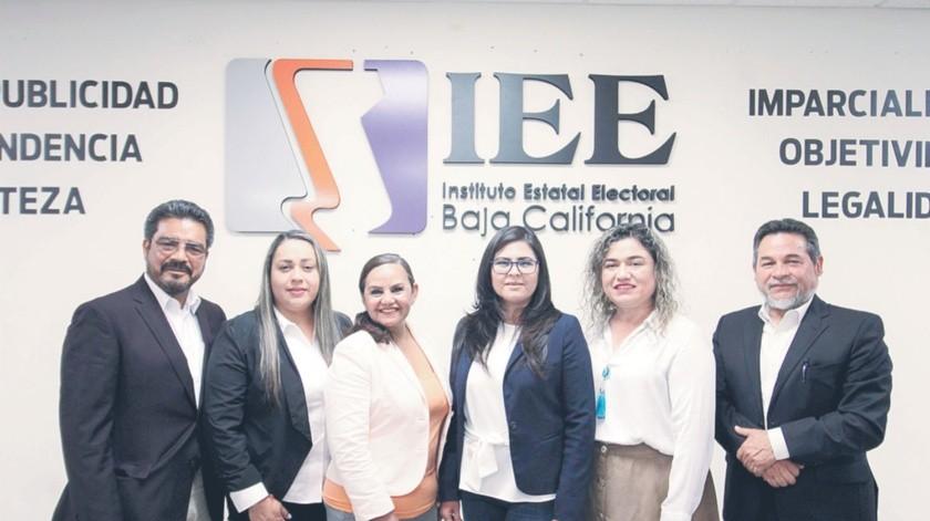 Los seis aspirantes a legislador se presentaron en las instalaciones del Ieebc.