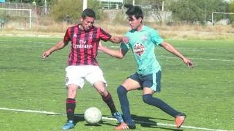 Pedro Gámez (der.) marcó un gol por FC Diablos-Homero Ríos.