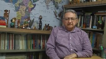 Marco Antonio Valencia cumplió 50 años como maestro.