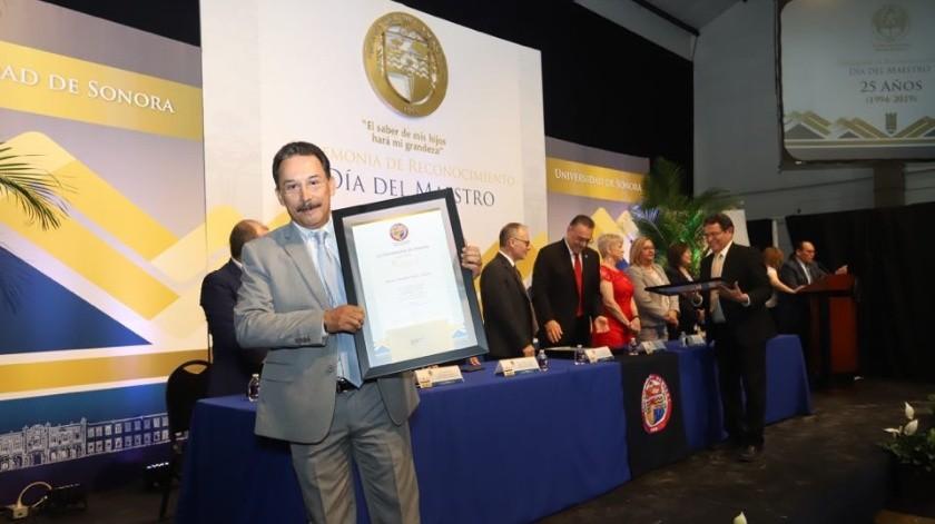 210 académicos de la Unison fueron reconocidos por su trayectoria.