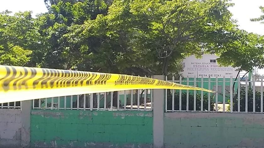 Ante la escena del hombre empapado en sangre, los estudiantes corrieron hacia sus respectivos salones.(Margarito Martínez)