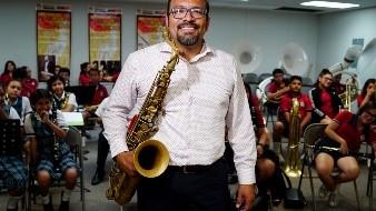 Profesor Gerson Ramírez, maestro de la banda de música de la Sec. 50.