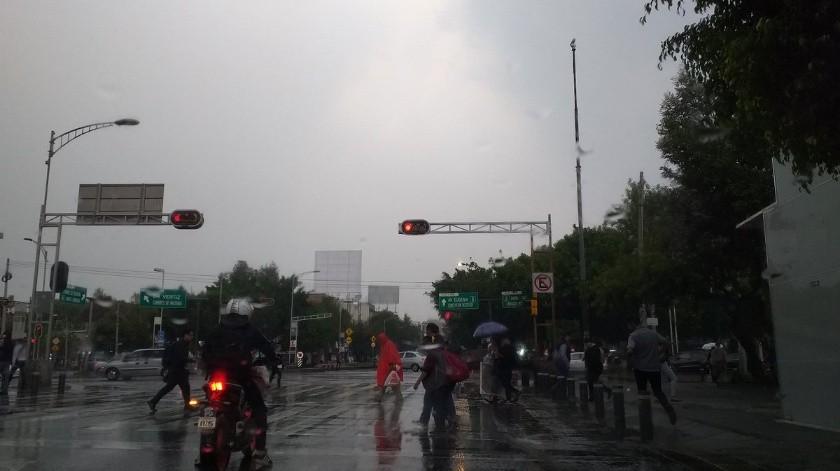 El Centro de Comando, Control, Cómputo, Comunicaciones y Contacto Ciudadano de la Ciudad de México informó que se registra lluvia ligera en seis alcaldías de la capital, en plena contingencia ambiental.(Twitter)
