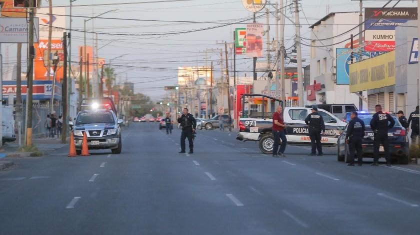 Un hombre fue asesinadoa eso de las 18:00 horas con armas largas en el comercio Econollantas, ubicado en la calle Veracruz y Cuernavaca, en la colonia San Benito.