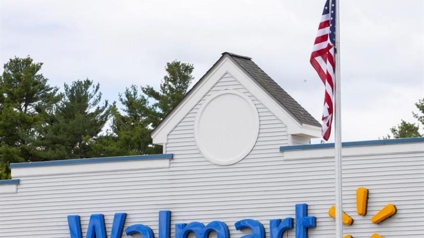 Walmart, la mayor cadena de comercio minorista del mundo, informó este jueves que deberá subir algunos de sus precios como resultado del aumento de aranceles impuestos por el presidente de EU, Donald Trump, a numerosos productos de China.(EFE)
