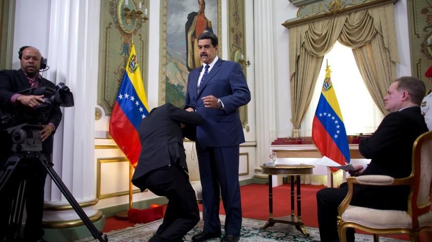 """El gobernante venezolano, Nicolás Maduro, dijo este viernes que hay """"buenas noticias"""" del proceso exploratorio que iniciaron esta semana en Noruega su Gobierno y la oposición para entablar una mesa de negociaciones que construya """"acuerdos de paz"""" entre las partes.(AP)"""