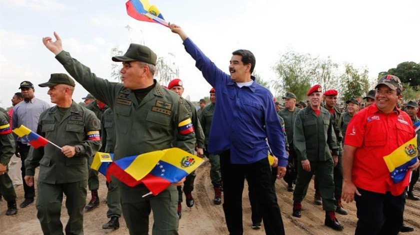 """El gobernante venezolano, Nicolás Maduro, dijo este viernes que hay """"buenas noticias"""" del proceso exploratorio que iniciaron esta semana en Noruega su Gobierno y la oposición para entablar una mesa de negociaciones que construya """"acuerdos de paz"""" entre las partes.(EFE)"""
