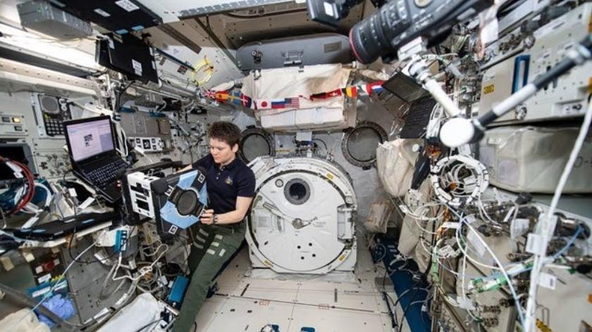 La NASA reveló en un comunicado que los robots asistentes Astrobees pueden optimizar la eficiencia de la ISS llevando a cabo labores de rutina.(Cortesía)
