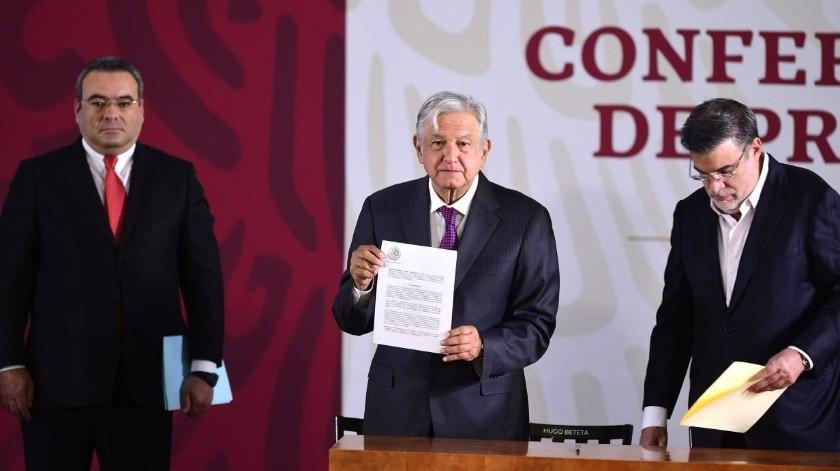 """El Presidente aseguró que con el decreto se """"acaba con los privilegios fiscales"""" y quien obtenga más ingreso, pagará más impuestos.(Gobierno de México)"""