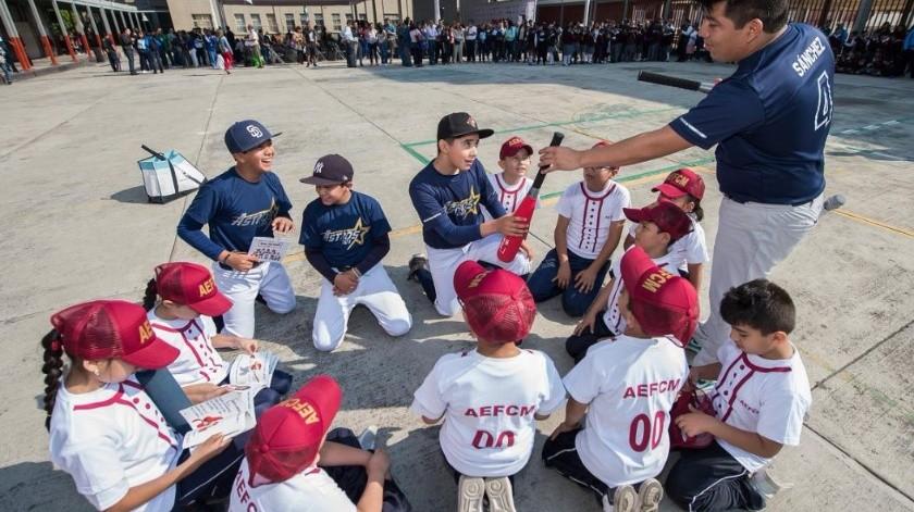 Llega el beisbol a escuelas públicas como deporte estelar(Twitter/ @MLBMéxico)