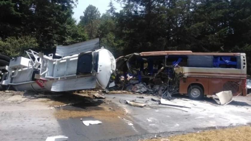 Choca autobús de Marco Antonio Solís; hay un muerto(El Universal)