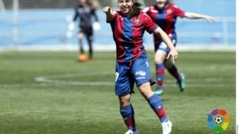 Gol de Charlyn Corral es el mejor de la temporada en España