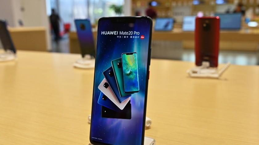 Recientemente la estadounidense Google, cuyo sistema operativo Android está instalado en la gran mayoría de los teléfonos inteligentes del mundo, indicó que ha comenzado a suspender sus relaciones con el grupo chino Huawei.(AFP)