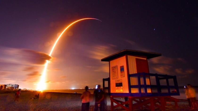 El lanzamiento del SpaceX Falcon 9 envió 60 satélites a la órbita terrestre.(AP)