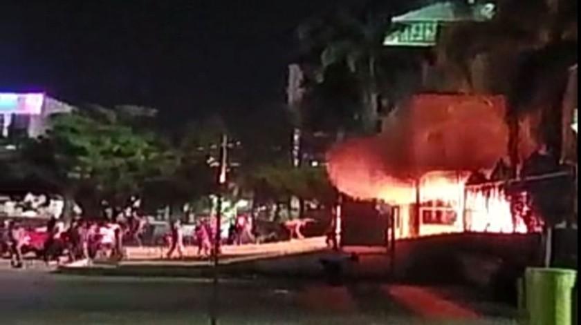 Vandalizan palacio de gobierno en Chiapas(Captura de video)