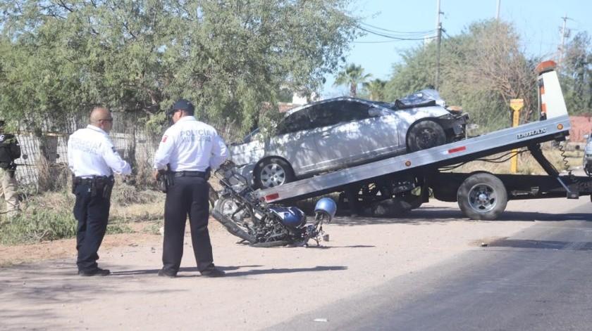 Se detectaron vestigios de conducción punible y aliento alcohólico a la persona que ocasionó el accidente en el kilómetro 14 en la carretera 100 Hermosillo-Bahía de Kino, informó Jesús Alonso Durón Montaño.