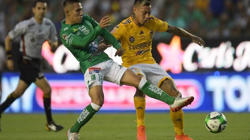 Los Tigres del delantero francés André-Pierre Gignac se consagraron campeones del torneo Clausura-2019 del fútbol mexicano la noche del domingo, al empatar 0-0 con el León en el partido de vuelta de la final, jugado en el estadio Nou Camp.(AFP)