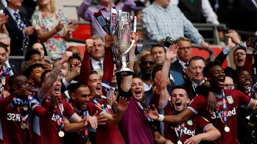 Aston Villa esta de vuelta en la Premier League tras vencer 2-1 al Derby County.(Twitter)