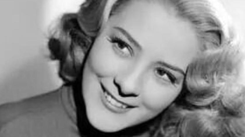 """""""¡Eres bruta, eres estúpida!"""", escuchó Silvia Pinal, de entonces 17 años, en sus primeras apariciones en un set cinematográfico.(Tomada de la red)"""