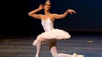 La bailarina Elisa Carrillo se siente muy feliz porque el reconocimiento de las compañías de México en el extranjero tiene mayor relevancia.