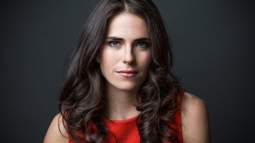 Karla Souza(Nicholas Iverson)