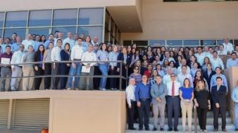 Personal del ISAF recibe el reconocimiento por parte de la Agencia de los Estados Unidos para el Desarrollo Internacional.