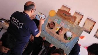 La activa participación de bibliotecarios de la Red de bibliotecas públicas municipales hizo posible el Festival El barquito de papel: Navegando con Amado Nervo.
