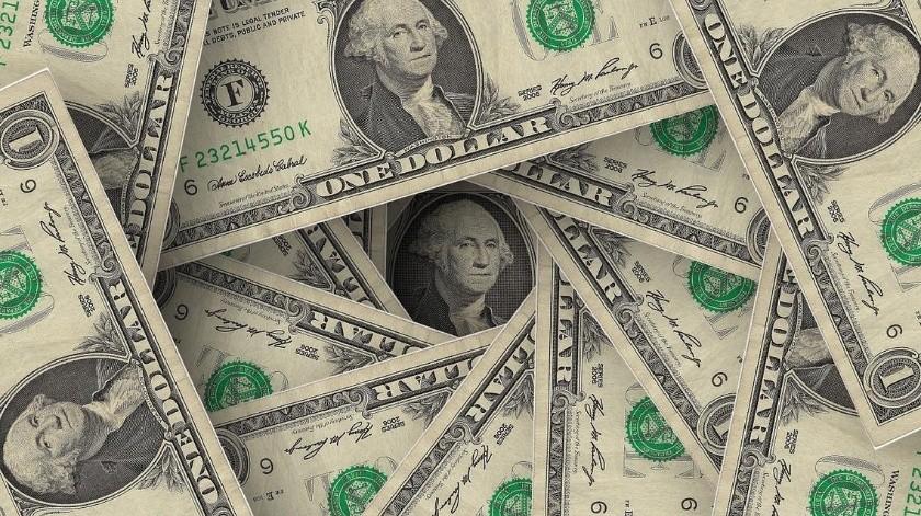 La moneda se desploma frente al dólar.(Pixabay)