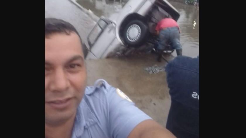 Tránsito se toma ''selfie'' en tragedia; será castigado(Facebook)