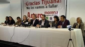 El virtual alcalde Arturo González Cruz ayer se presentó acompañado de su planilla de regidores.