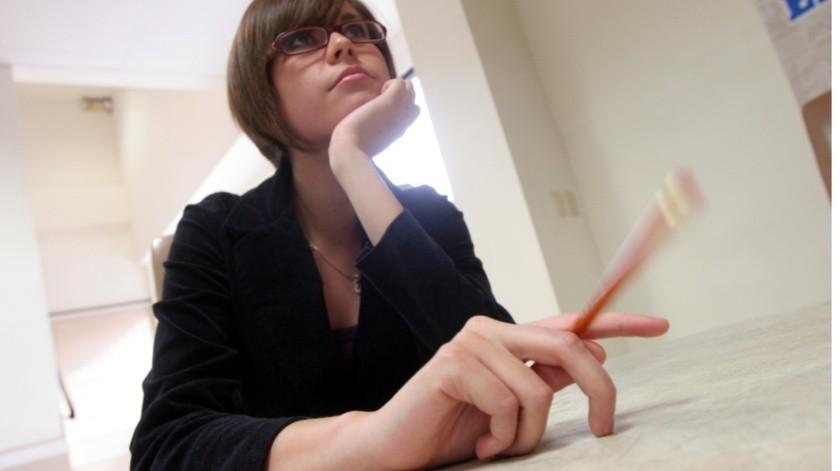 Los empleados con alto estrés son menos productivos. El presentismo y el compromiso están fuertemente vinculados a éste y la cantidad de días perdidos aumenta con el nivel de estrés.(Agencia Reforma)