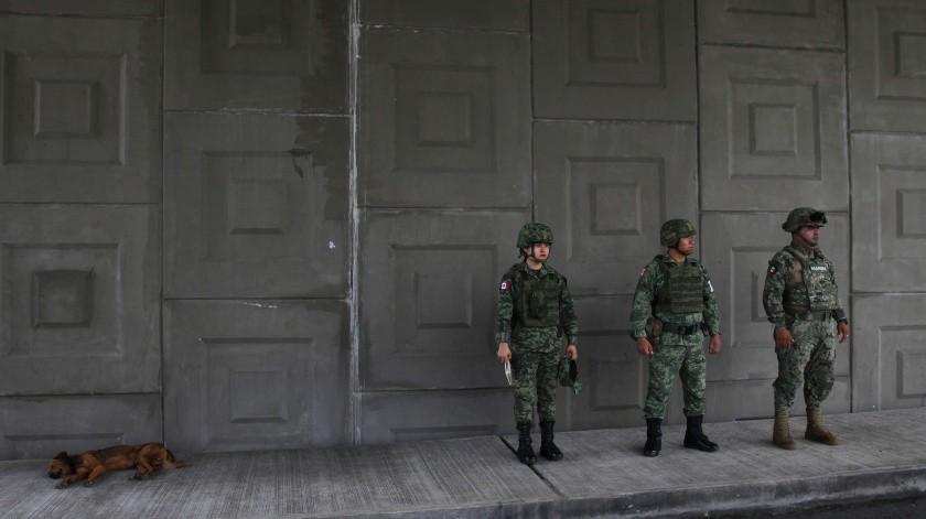 El canciller mexicano, Marcelo Ebrard, declaró que se desplegarán los miembros de la Guardia Nacional a 11 municipios del Sureste de México a partir del próximo lunes para mitigar la migración.(AP)