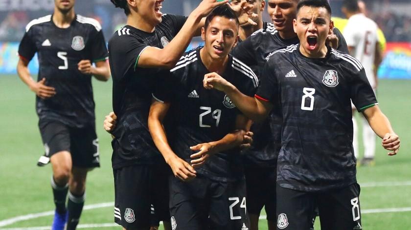 Martino deberá sortear adversidades con México.(AP)