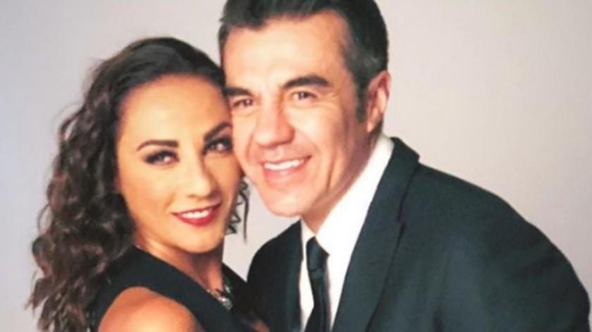 """Consuelo Duval y Adrián Uribe serán un matrimonio destinado a repetir una y otra vez el mismo día en el filme """"Infelices para siempre"""", cuya filmación inicia el próximo mes.(Tomada de la red)"""