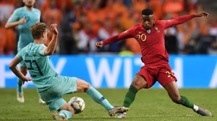 Portugal se convirtió en el primer campeón de la Liga de Naciones al imponerse por 1-0 a Holanda en la final de este nuevo torneo continental, este domingo en Oporto.(AFP)