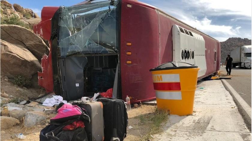 10 heridos del accidente en la carretera a La Rumorosa fueron trasladados a Mexicali.(Cortesía)