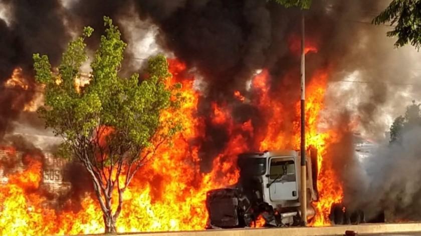 Los hechos ocurrieron alrededor de las 8:40 horas, sobre la carretera Cuautla- Santa Bárbara, en Morelos.(Twitter/@IrvingSanchez79)