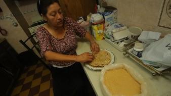 La harina tiene consistencia similar a la harina de trigo integral.