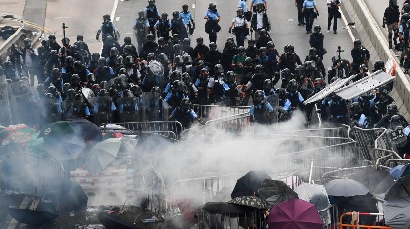 Las masivas protestas contra un proyecto de ley que permitiría extradiciones a la China continental provocaron este miércoles los mayores disturbios de la historia.(AFP)