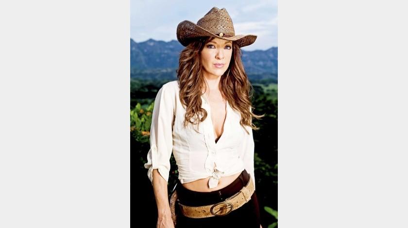 En 2004, protagonizó Mujer de madera, producida por Emilio Larrosa, pero quedó embarazada y tuvo que dejar el papel.(Agencia México)