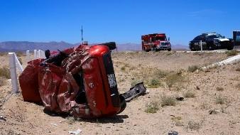 El vehículo en el que viajaba la joven resultó con perdidas totales.