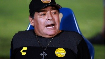 Diego Maradona abandona Dorados por consejo médico